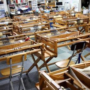 明日は岡崎市矢作南小学校の遠足手織り教室です
