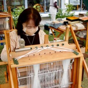 三河木綿の手織体験に来ました