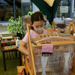 ここで糸を紡いで織り込んでみよう