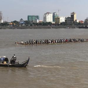 カンボジア最大の祭り。ウォーターフェスティバルのカウントダウン