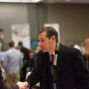 ビジネス英語Q&A:「私を雇ってください。」って英語でなんて表現できますか?