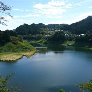 月ヶ瀬湖の湖畔をめぐる 京都 南山城村