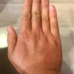 手の大きさを比較してみる