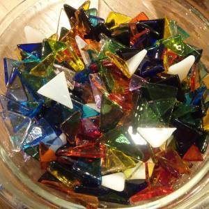 【ワークショップ】大正硝子でシュエリーBOXにデコレーション。ガラスアートを楽しみました。【年長夏休み】