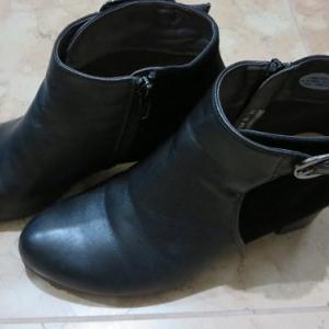 新しいショートブーツを購入|まるでシンデレラの靴!足にぴったりでどこもに当たらず