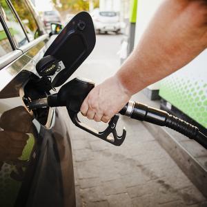 グアムの朝刊(2020.6.5):グアムのガソリン価格が30日間で3度の値上げ