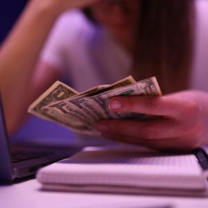 グアムの朝刊(2020.12.2):失業給付金は24日で終了