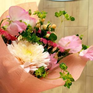 お部屋にお花を置いてデトックス♡疲れた気持ちを整える方法。