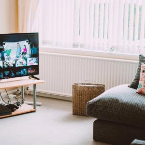 テレビがインテリアの邪魔になってしまいます。どうしたら良いですか?
