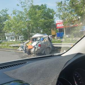 パタヤの 交通事故は 毎日だー