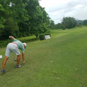 パタヤで ゴルフ  ワニダは どこへ❗