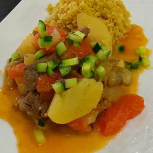 牛肉と夏野菜のトマトソテー クスクス和え