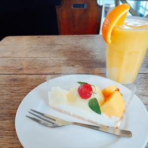 青森屋@鶴岡 果物屋さんのスイーツカフェ。人気はフルーツタルト!