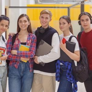 電気通信大学2011・高校生は日本語での発信力を磨こう