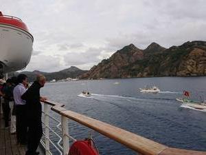 小笠原父島を出航です