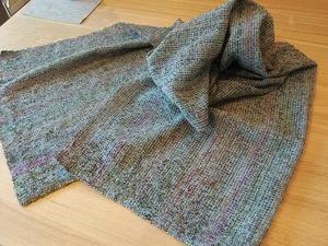 段染めウールループのストール 織り上がりました