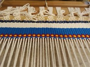 手織り布で創作バックを作ります