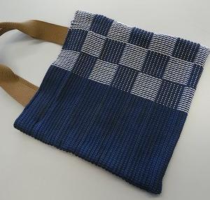 手織り(畝織り)した布でバックを仕立てました