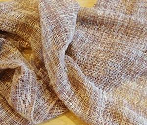 段染めシルクブークレで軽やかなストール織り上がりました