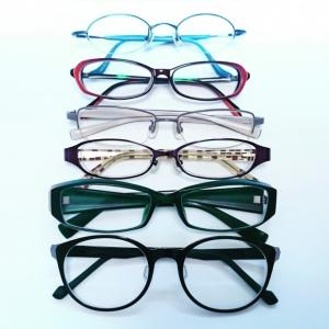 新しい眼鏡を作りに