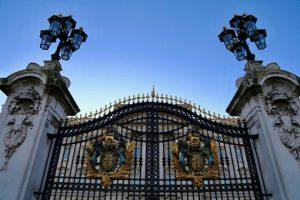 【イギリス:夏】バッキンガム宮殿の内覧、チケットオフィスの場所が違って困惑!