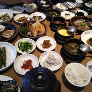 [韓国グルメ] 木村土城駅のたくさんのおかずが出る韓定食屋