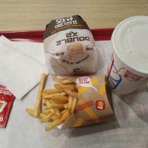 [雑談] KTX駅で時間がない時にはハンバーガーしか勝たん!