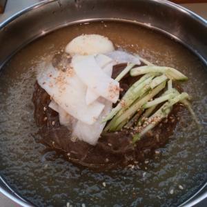 [韓国グルメ] 秋になる前にユッサム冷麺の물냉면(水冷麺)を~