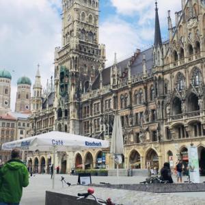 外出制限が緩和されてドイツ・ミュンヘンの様子