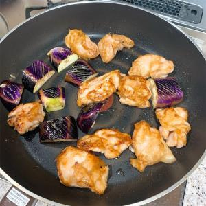 〜なすと鶏肉の中華ポン酢〜管理栄養士のガサツ飯