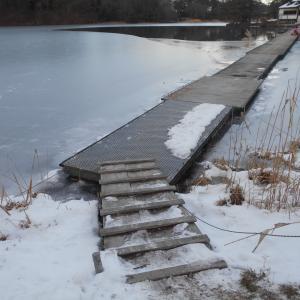 全面結氷間近の松原湖