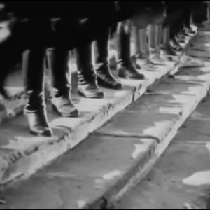 『戦艦ポチョムキン』群衆シーンと「オデッサの階段」
