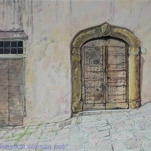 ・ アレッツォの坂道 描き始めと、 絵を描く場所、色鉛筆