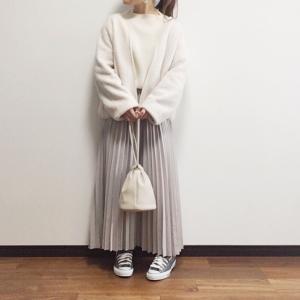 【UNIQLO】想像を覆された!ハマりそうな値下げ品と良さを再確認したプチプラプリーツスカート