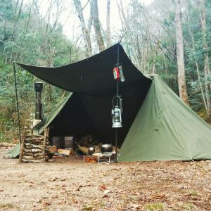My dream is Bushcraft. I am enjoying a wild overnight camp.無骨なブッシュクラフトソロキャンプを夢見て