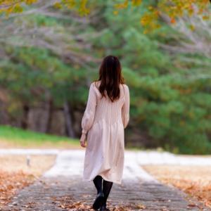 苦しい場所に留まる選択肢。方向転換や撤退という選択肢。