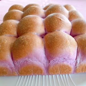 紫いものちぎりパン