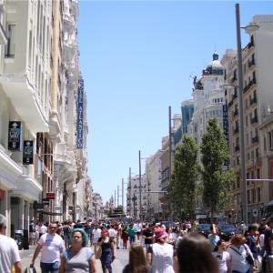 スペインの流行ファッションが安くで手に入る!マドリードのお買い物スポット :  グランヴィア通り