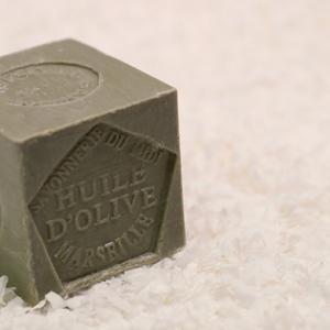 DAISOフランス政府が認めている老舗石鹸がある!?