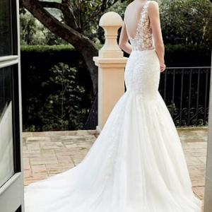 シンプルなマーメイドドレスは仮縫いが必須条件