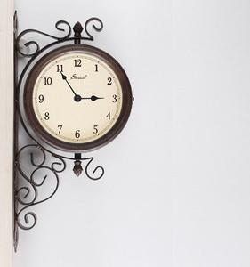 両面OK!アンティーク調の壁掛け時計--BOTH SIDE CLOCK
