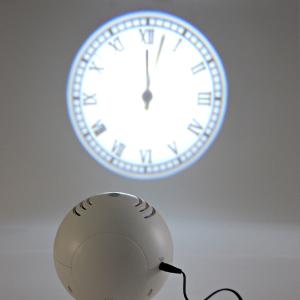 浮かび上がるプロジェクションの時計