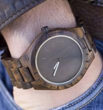 木でできた腕時計 Wood Watch