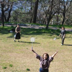 新型コロナの影響でいつもより人が多い公園