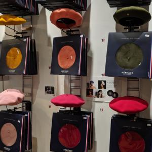 ベレー帽のお土産、パリにはベレーのイメージがあります。