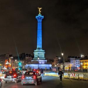バスティーユ広場観光と歴史、オブジェは何?治安は?