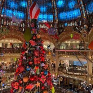パリ ギャラリーラファイエットのクリスマスツリー 2020年デコレーションと展望フロア