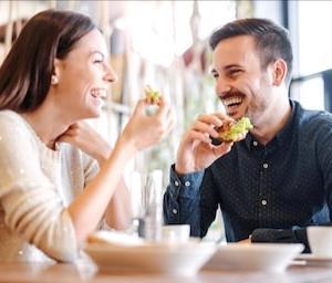 女性を食事に誘う時に使える鉄板の誘い方。注意すべき5つのポイント