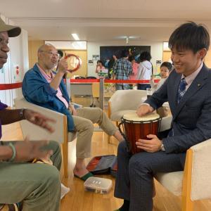 人生初ジャンベ(アフリカ太鼓)に挑戦❗️音楽のセッションで心を通わす。