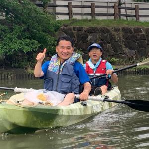 立憲民主党参議院候補、くまがい裕人氏が草加でカヌーに乗ってゴミ拾い体験!